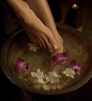 PADA AYURVEDA FOOT SPA 45 min. €49,-